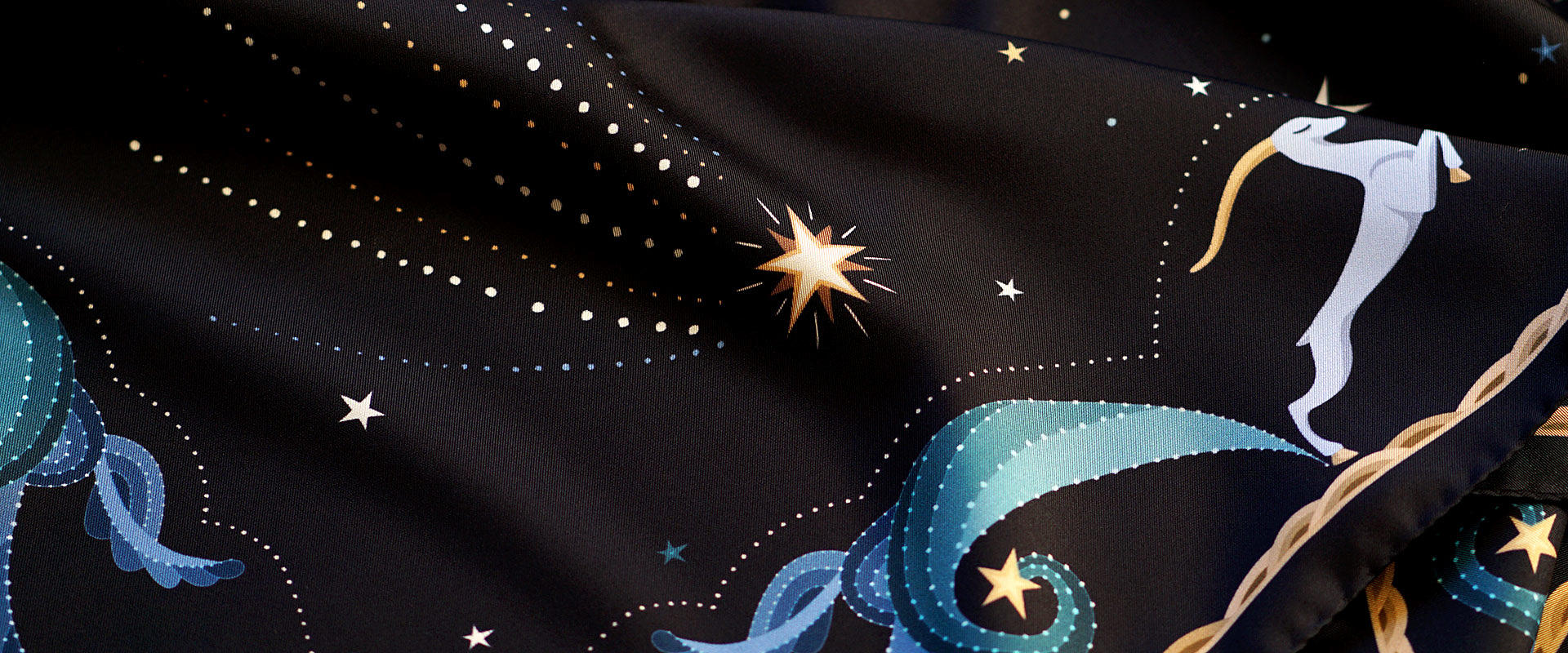 LE-CHALE-BLEU-silk-twill-scarves-moon-black-home