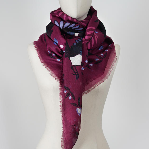 lechalebleu-cashmere-and-wool-shawl-treasure-hunters-burgundy-2