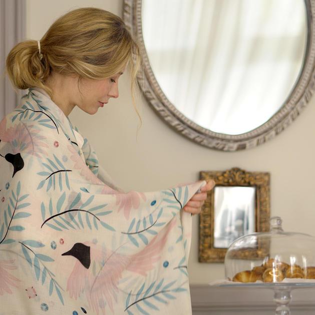 lechalebleu-cashmere-and-wool-shawl-treasure-hunters-off-white-editorial-2