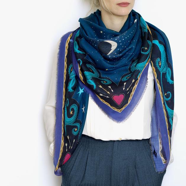 lechalebleu-modal-and-silk-scarf-beautiful-as-the-moon-warm-blue-model