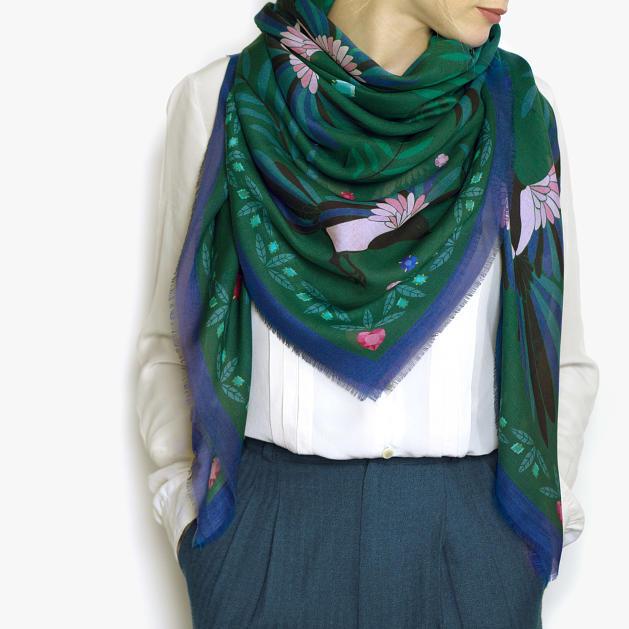 lechalebleu-modal-and-silk-scarf-treasure-hunters-green-model
