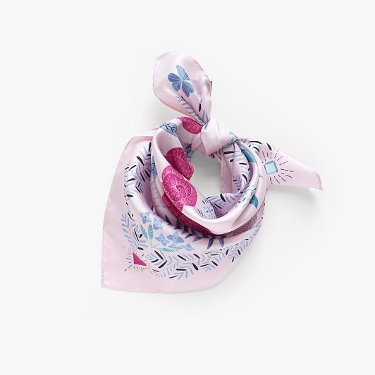 lechalebleu-silk-twill-bandana-panthere-pink-folded