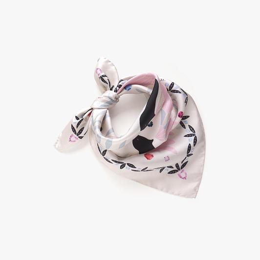 lechalebleu-silk-twill-bandana-treasure-hunters-off-white-folded