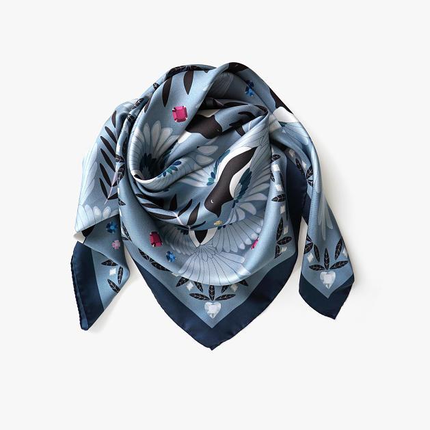 lechalebleu-silk-twill-scarf-treasure-hunters-grey-folded2