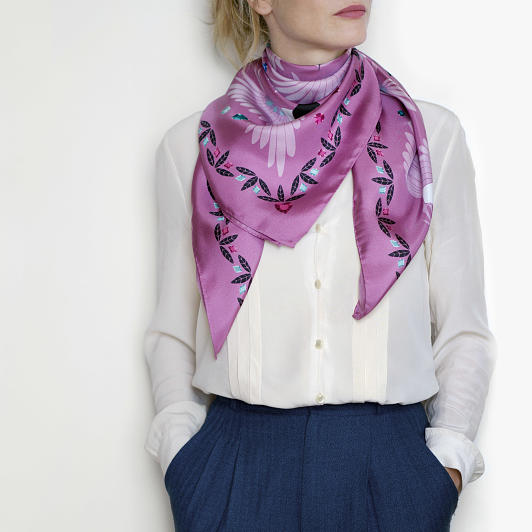lechalebleu-silk-twill-scarf-treasure-hunters-pink-model