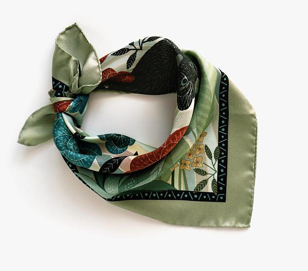 lechalebleu-silk-twill-bandana-dreamer-green-rolled2