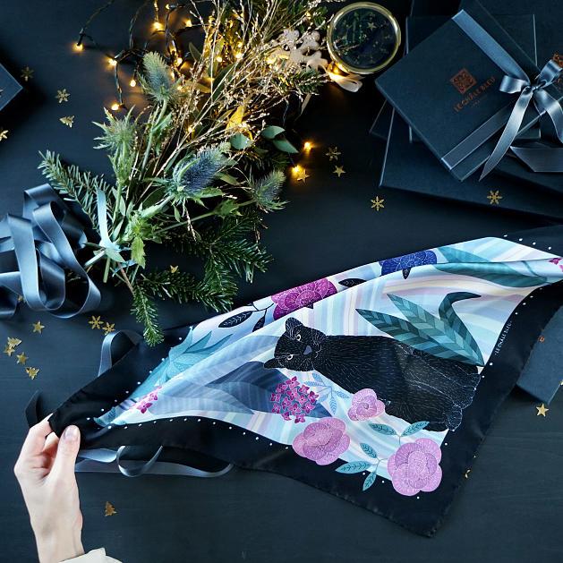 lechalebleu-silk-twill-bandana-panthere-lilac-packaging