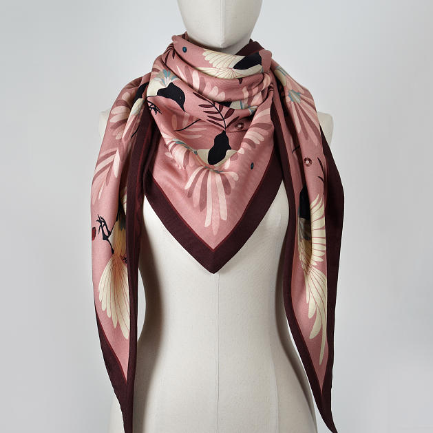 LE_CHALE_BLEU-wool-and-silk-triangle-shawl-magpies-pink-3
