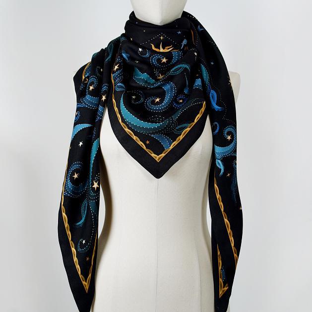 LE_CHALE_BLEU-wool-and-silk-triangle-shawl-moon-black-4