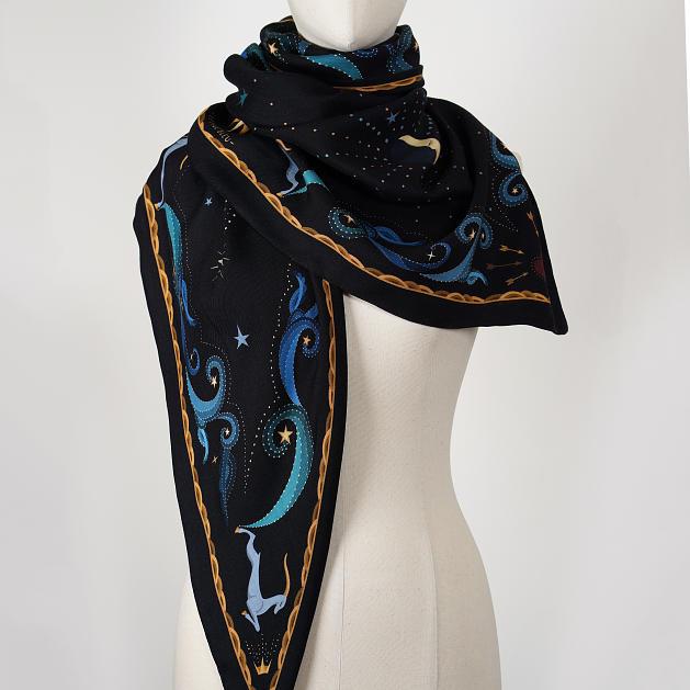LE_CHALE_BLEU-wool-and-silk-triangle-shawl-moon-black-5-1