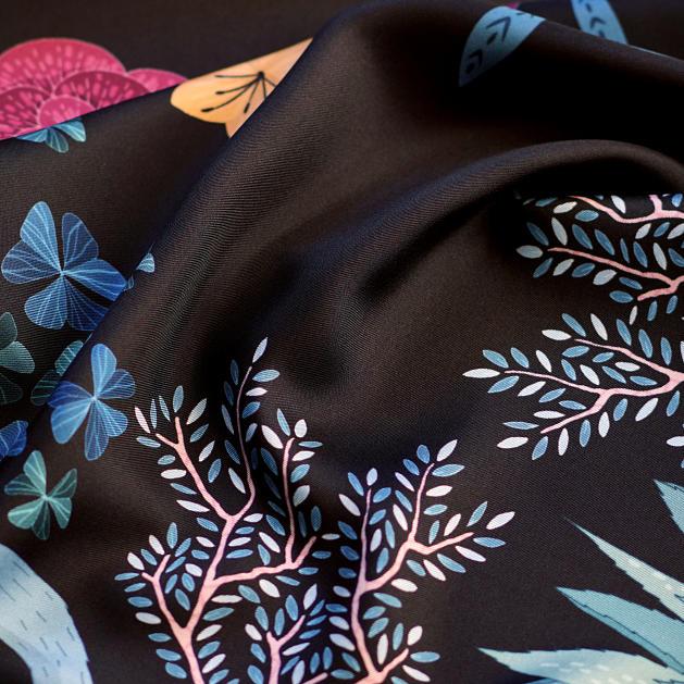 le-chale-bleu-silk-twill-scarf-panther-black-reedit-4