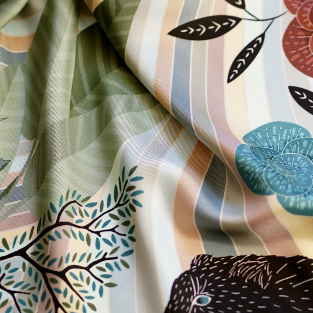 le-chale-bleu-silk-twill-scarf-panther-green-4