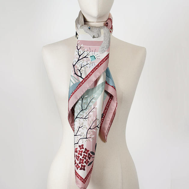 le-chale-bleu-silk-twill-scarf-panther-pink-wave-3