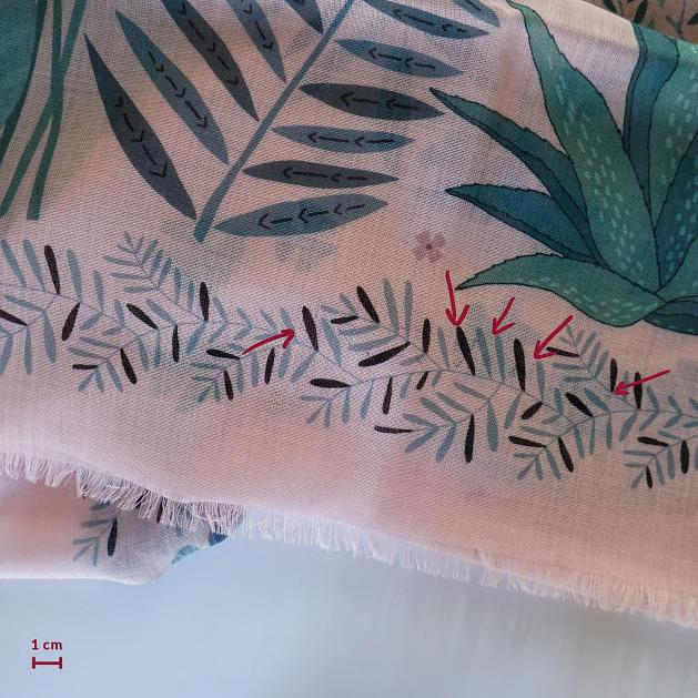 lechalebleu-cashmere-and-wool-shawl-panthere-soft-pink-C3b