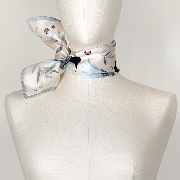 LE-CHALE-BLEU-silk-twill-bandana-magpies-dance-ivory-2