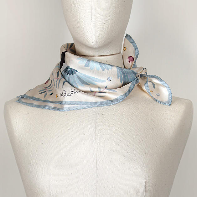 LE-CHALE-BLEU-silk-twill-bandana-magpies-dance-ivory-4
