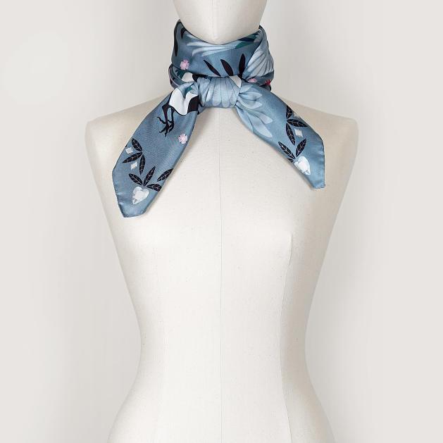 le-chale-bleu-silk-twill-scarf-magpies-paris-gray-4
